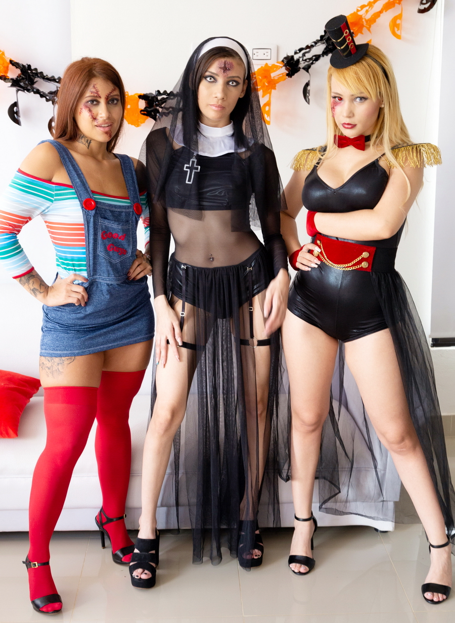 Natasha Teen, Emily Pink, Laura Monroy - Halloween Orgy With Natasha Teen, Emily Pink And Laura Monroy (Big Gapes, Intense Anal And DP) SZ2312 (UltraHD) 2019