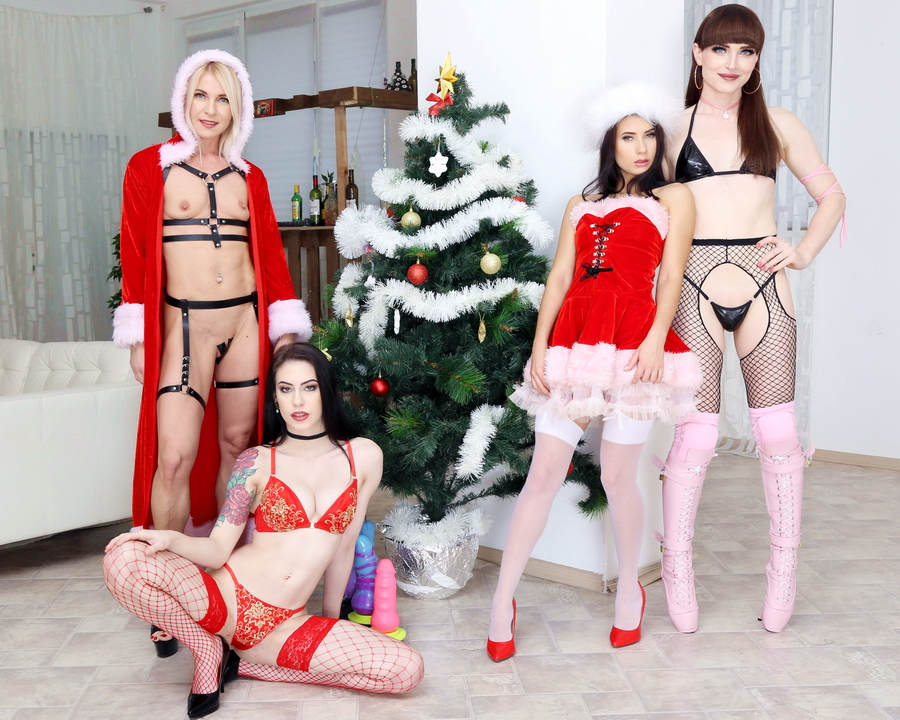 Anna De Ville, Nicole Black, Sindy Rose, Natalie Mars - WTFucking XMAS 1 Anna De Ville, Nicole Black And Sindy Rose Get Fucked By Natalie Mars And Monster Toys GIO1310 (FullHD) 2019
