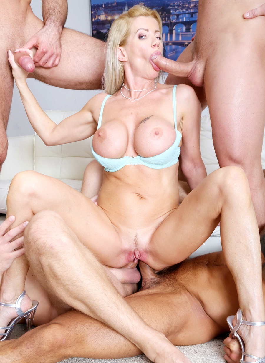Lara De Santis - Fucking Wet Beer Festival, Lara De Santis Balls Deep Anal, Gapes, Pee Drink And Swallow GIO1363 (HD) 2020