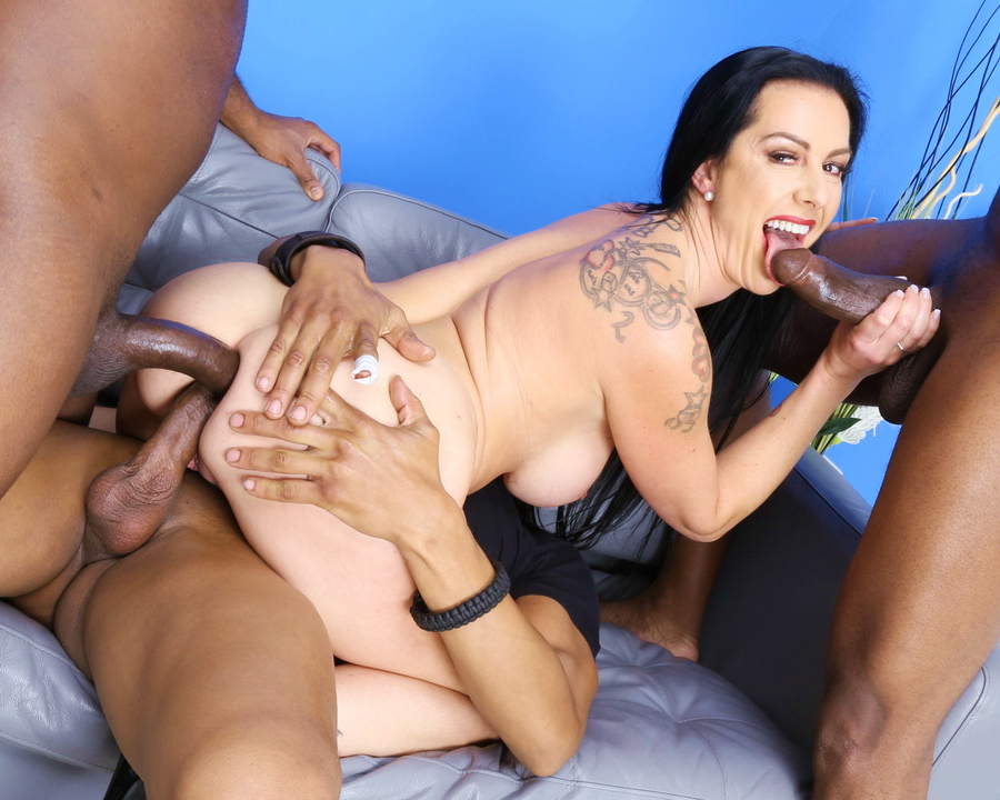 Texas Patti - Texas Patti Gets Squirted With 3 BBC For Balls Deep Anal, DAP, Gapes, Swallow And Facial GIO1633 (SD) 2020