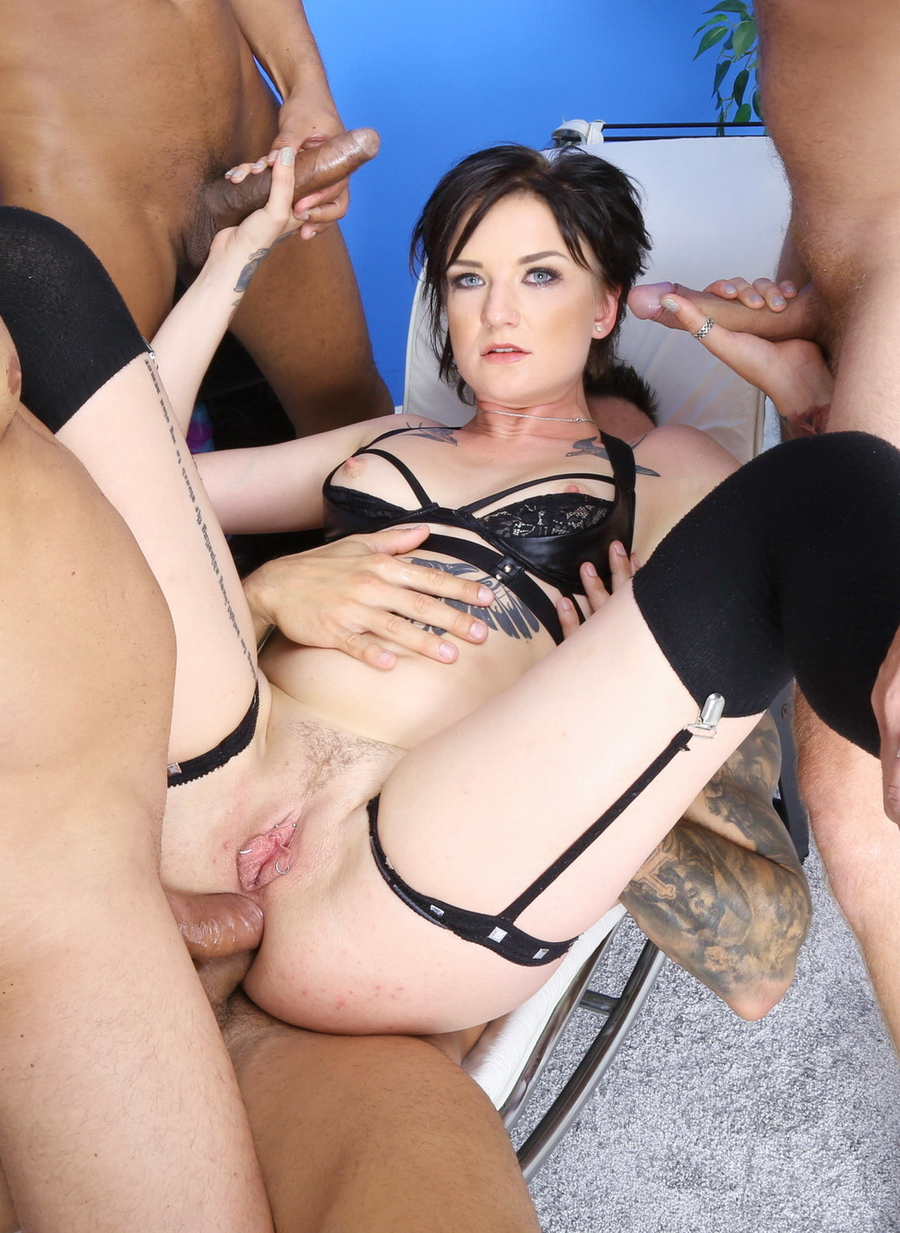Bree Haze - Bree Haze 4 On 1 Manhandle With Balls Deep Anal, DAP, Destroyed Gapes, Cremapie And Swallow GIO1508 (SD) 2020