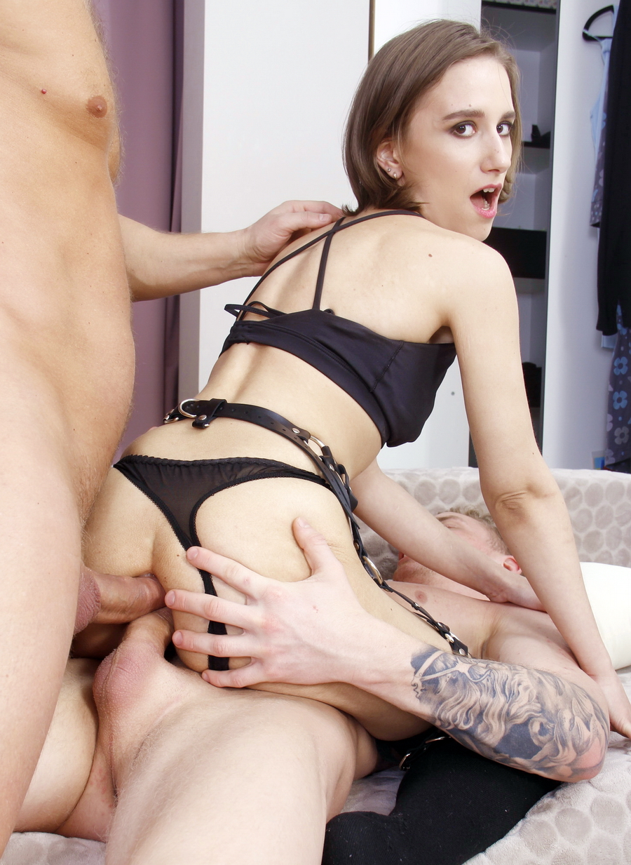 Anastasia Mistress - Anastasia Mistress In DAP Plus Spanking Plus Slapping Plus Anal Squirt Plus Big Anal Gape Plus Prolapse VK040 (SD) 2021